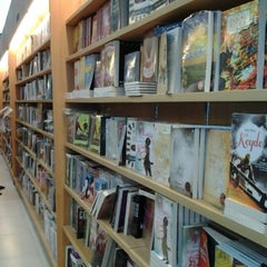 Photo taken at Gramedia by kamsia a. on 2/19/2012