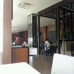 Das Foto wurde bei CHERRY KLUBB von I'liaw am 6/24/2012 aufgenommen