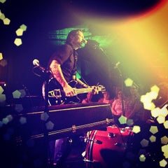 Photo taken at Smith's Olde Bar by MixtapeAtlanta on 9/8/2012