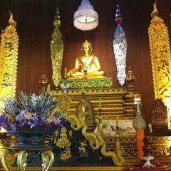 Photo taken at วัดพระแก้ว (Wat Phra Kaeo) by Palida R. on 6/24/2012