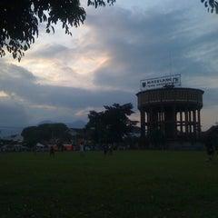 Photo taken at Alun - Alun Kota Magelang by rieza s. on 5/24/2011