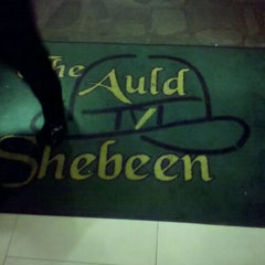 Photo taken at The Auld Shebeen Pub by Jonathan Harris S. on 10/7/2011
