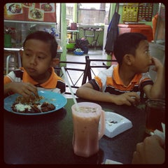 Photo taken at Saidina Cafe by Fatimah F. on 9/9/2012