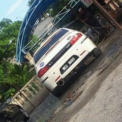 Photo taken at CarWash Blkg Surah Al-Falah by Ariel S. on 2/12/2012