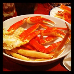 Photo taken at Red Lobster by Chloe E. on 4/15/2012
