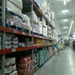 Photo taken at Sam's Club by Fragancia26 on 12/23/2011