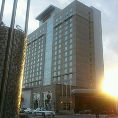 Photo taken at Raleigh Marriott City Center by Karen C. on 11/22/2011