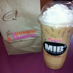 Photo taken at Dunkin Donuts by Leia F. on 5/5/2012