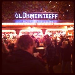 Photo taken at Weihnachtsmarkt an der Gedächtniskirche by Nicolas P. on 11/27/2011