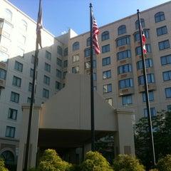 Photo taken at Sheraton Suites Columbus by Patrick R. on 5/18/2012