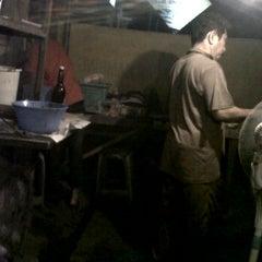 Photo taken at Warung Sate Ayam Cak Ally by Lilih P. on 1/28/2012
