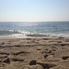 Photo taken at Manasquan Beach by Caitlin on 8/4/2012
