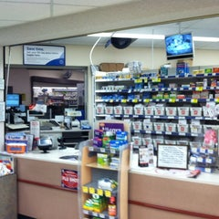 Photo taken at Walgreens by Kenneth S. on 9/17/2011