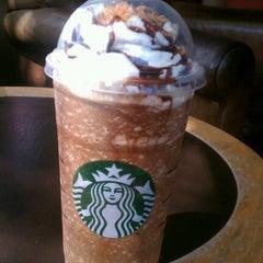 Photo taken at Starbucks by Valentin S. on 6/17/2012