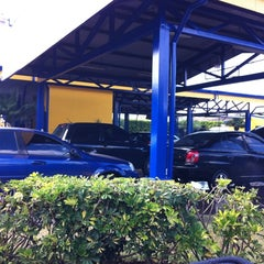 Photo taken at Auto Sol Lavacar by Mauricio G. on 2/11/2012
