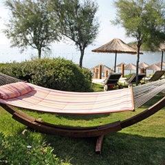 Photo taken at Kempinski Hotel Barbaros Bay by Hakan Ç. on 8/27/2012