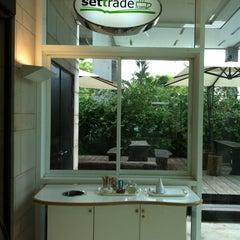 Photo taken at Settrade (เซทเทรด) by Anuchar S. on 6/8/2012