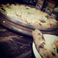 Photo taken at Varanda Pizza Bar by Michel F. on 7/27/2012