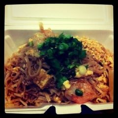 Photo taken at Siam Express by Leelee W. on 9/22/2011
