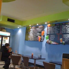 Photo taken at Blue 9 Burger by Norman on 12/31/2010