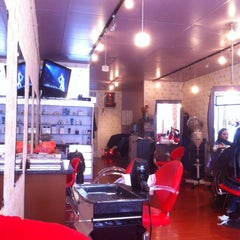 Photo taken at Yan & Elaine Salon by Gilbert L. on 4/25/2012