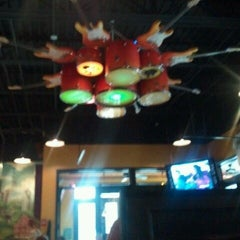 Photo taken at Mellow Mushroom by Jennifer R. on 2/17/2012