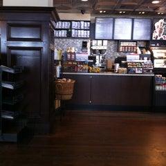 Foto tirada no(a) Starbucks por JD em 6/9/2012