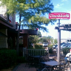 Photo taken at Cheddar's Casual Cafe by Mark M. on 10/17/2011