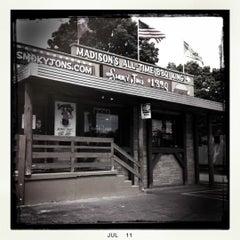 Photo taken at Smoky Jon's No 1 B-B-Q by Teresa P. on 7/24/2011