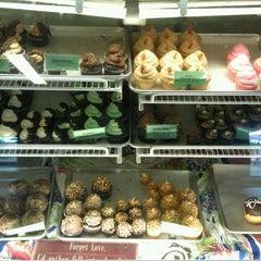 Photo taken at Elizabethan Desserts by Paul C. on 9/13/2012