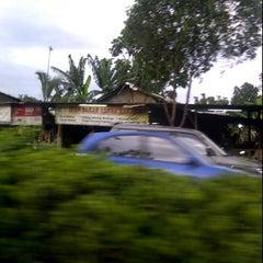 Photo taken at Pasar kaget djuanda by Bagus A. on 12/26/2011