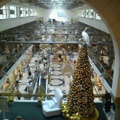 Photo taken at Patio Bullrich by gustavo p. on 12/21/2011