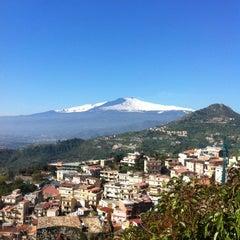 Photo taken at Mediterranee Hotel Taormina by Raphael T H. on 3/20/2012