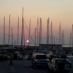 Photo taken at Sunset Grill by Jana S. on 9/11/2011