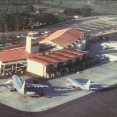 Photo taken at Aeropuerto Internacional del Cibao by Victor E. S. on 6/19/2012