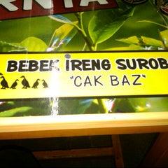 Photo taken at Bebek Ireng Suroboyo  Cak Baz by Anto B. on 8/1/2012