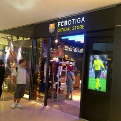 Photo taken at FCBotiga Maremagnum by HEE SOO K. on 5/29/2012