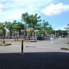Photo taken at Parkiran Mal Panakkukang by qadar t. on 4/20/2012