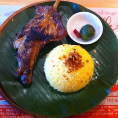 Photo taken at Bacolod Chicken Inasal by Suplado ~. on 4/7/2012