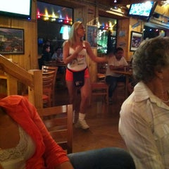 Photo taken at Hooters by tixturismo v. on 3/22/2012