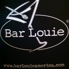 Photo taken at Bar Louie Easton by Daylon H. on 6/26/2012