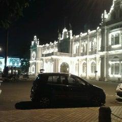 Photo taken at Esplanade (Padang Kota Lama) 舊關仔角 by Mohd Zamri M. on 7/27/2012