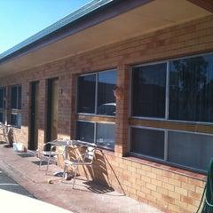 Photo taken at Cousins Motor Inn by Missxstatic on 2/16/2012