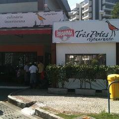 Photo taken at Três Potes by Tamara M. on 8/19/2011
