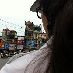 Photo taken at Ngã tư Ng Phong Sắc-Cầu Giâys by YenCoi on 8/13/2012