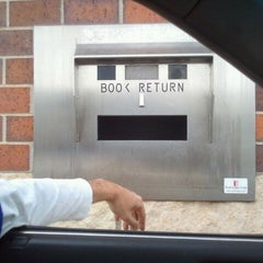 Photo taken at Woodbury Public Library by Lisa G. on 11/12/2011