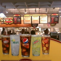 Photo taken at Golden Corral by Chris on 11/7/2011