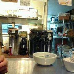 Photo taken at Cafe 212 Pier by ⭐️Vinny⭐️ on 1/15/2012