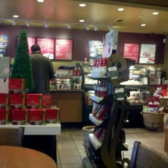 Photo taken at Starbucks by John W. on 11/27/2011