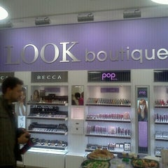 Photo taken at Duane Reade by MASQUE M. on 4/13/2012